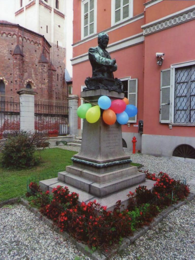 Museo Borgogna - Progetto Jump - Cortile Ingresso